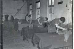Army Numerical e999917494 p26 Kamp Vught Lt J E DeGuire 21-23 april - Copy (5)
